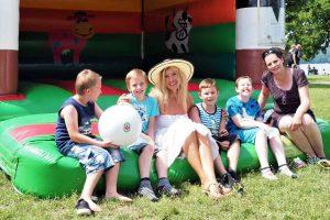 Kinder beim Sommerfest in Neubrandenburg