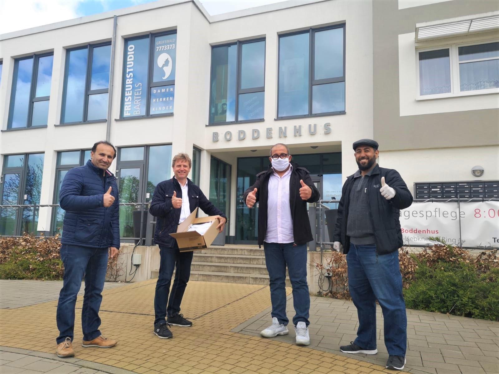 Die Bewohner unserer Greifswalder Residenzen bekommen Gesichtsmasken geschenkt