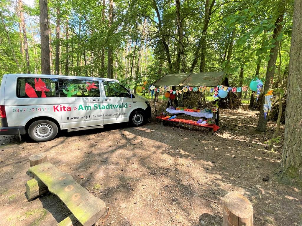 """Die Abschlussfeier unserer Kita """"Am Stadtwald"""" mitten im Wald"""